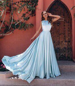 854a49f5b3c Вечернее платье из шёлка в изумрудном цвете